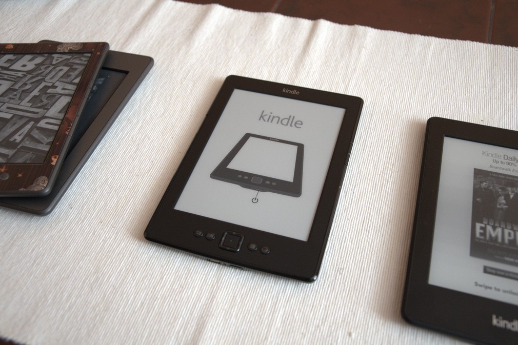 Recenze Amazon Kindle 5 VS Kindle 4