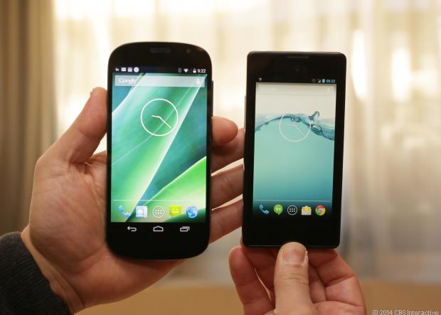 yotaphone-2-mobilni-telefon-s-eink-displejem-03